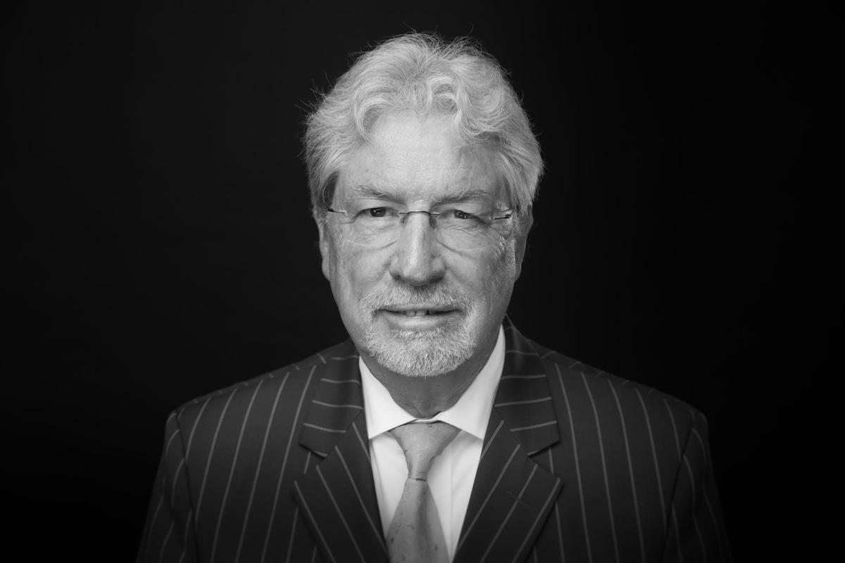 Dr. jur. Rolf Grünebaum